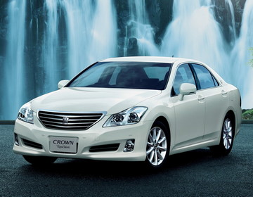 Toyota Crown Royal Saloon фото