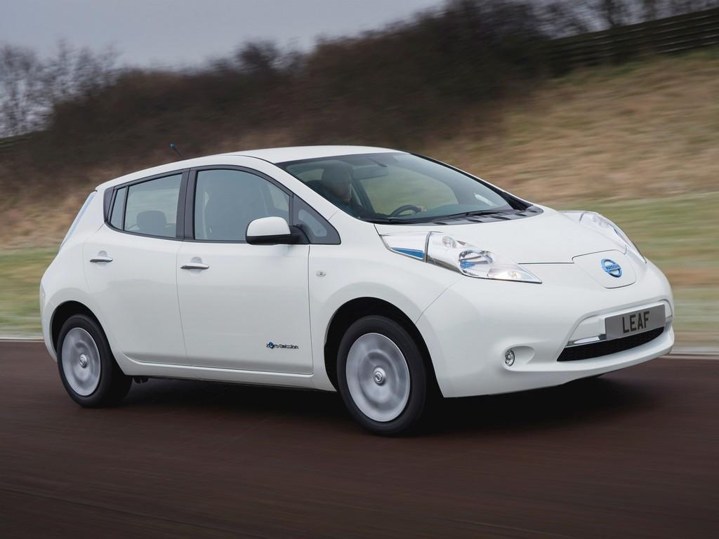 Видео с Nissan Leaf.  Фото.  Нов…